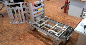 Véhicule de transport autonome pour la logistique interne