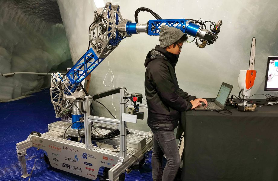 CHIRON – a construction site robot ready for outer space