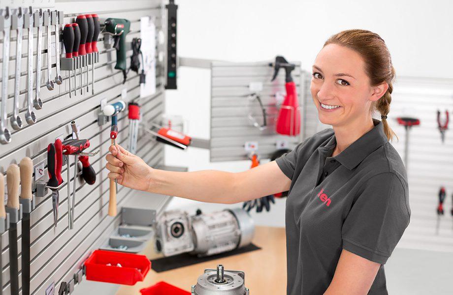Trabajar ergonómicamente con el toolpanel® System de item