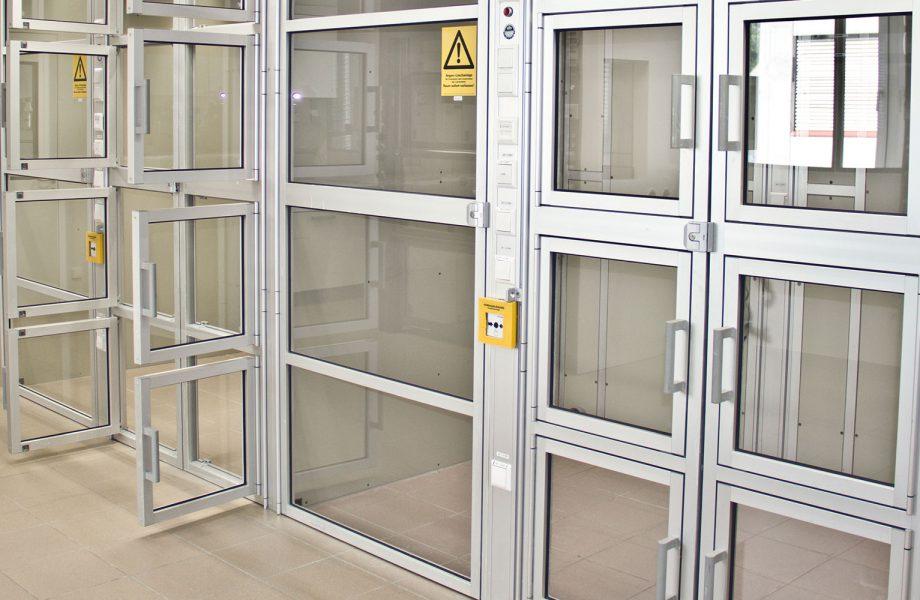 Cabine di lavoro per produrre principi attivi farmaceutici in completa sicurezza
