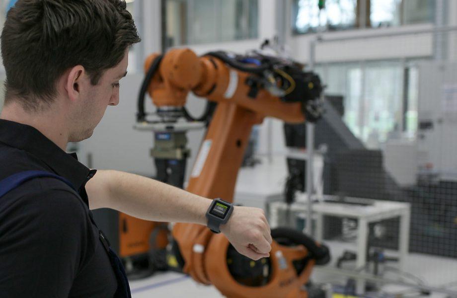 Comunicazione uomo-macchina ottimizzato in officina