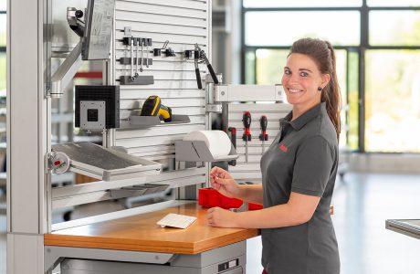 Neue Studie: Arbeitsplatzgestaltung in der manuellen Produktion