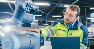 Areas of application for robots – screw fixings and welding